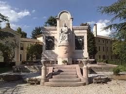 monumento spagnolo riese